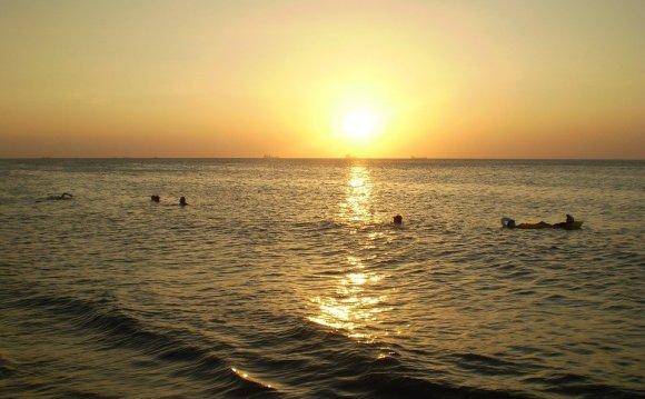 Otdy`kh na more letom